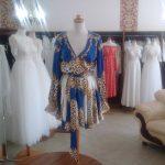 Sukienka z jedwabiu w stylu Versace