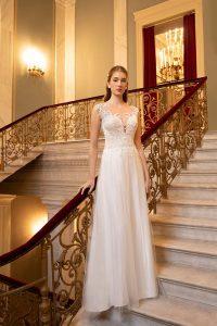 Suknia ślubna 2020 Demetrios - Madleine Poznań